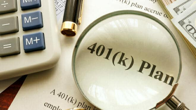 Roth-401k-vs.-Traditional-